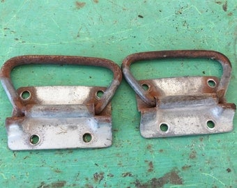 Vintage Iron Hardware - Cabinet Pulls - Architectural Furniture for  Restoration and perfect Industrial Style