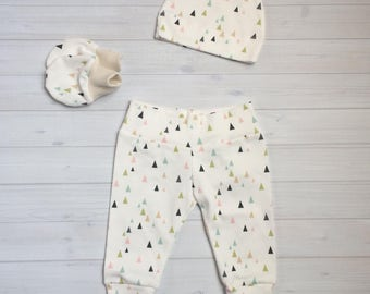 Organic baby leggings, hat, and mittens set, baby pants and hat, leggings and hat set, modern baby leggings, newborn coming home outfit