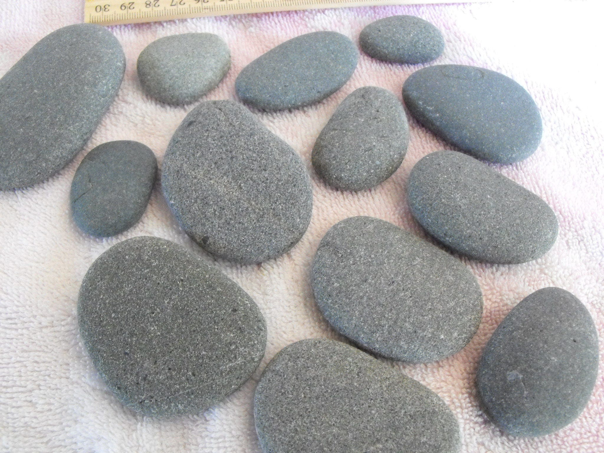 Oregon beach stones flat gray river rocks for carins or for Where to buy flat rocks for crafts