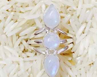Rainbow Moonstone ring set in sterling silver (92.5). Size 7.5. Natural authentic stones.