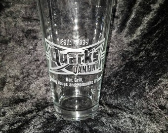 Quarks Star Trek Inspired Quarks Qantina Etched Pint Glass Etched Glassware Star Trek gambling house holosuite arcade Etched pint glass