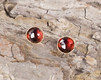 Garnet Earrings/Garnet Stud Earrings/Garnet Stone earrings/January birthstone
