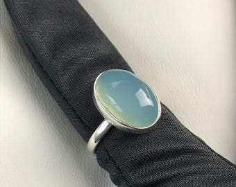 Chalcedony Cabochon Sterling Silver Ladies Ring. Size US-5.25, UK-K.