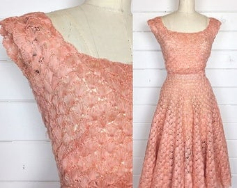 Vintage 1950s Peach Open Weave Ribbon Dress / Party Dress / Fit & Flare / Full Skirt