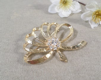 Beautiful Vintage Gold Tone Crystal Diamente Rhinestone Ribbon Brooch  DL# 3455