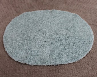 Nappy Green Colored Oval Bath / Throw Rug