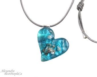 Summer Necklace, Piece of Sea, Heart Shape, Turtle, Ocean, Handmade, Summer Gift, Summer Jewelry, Resin, Adjustable Cord