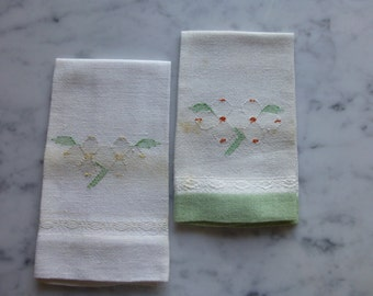 Linen Guest Towel Napkins, Very vintage, Little Detailed Stitching, Set of Two