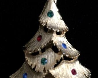 1960's-1970's Christmas Tree Brooch W/ Accented Rhinestones