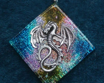 Rainbow Dragon Third Eye Pineal Chakra-Tuning Blue Orgone 50mm Pendant 72 energy harmonizing crystals Quartz black cord / silver chain