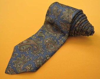 Brooks Brothers Tie Silk Woven Paisley Repeat Pattern Blue Vintage Designer Dress Necktie Made In USA