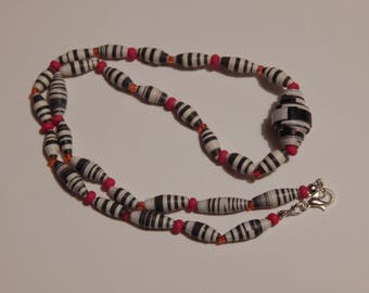 """Black & White Paper Bead, Red Glass Bead 20"""" Necklace"""