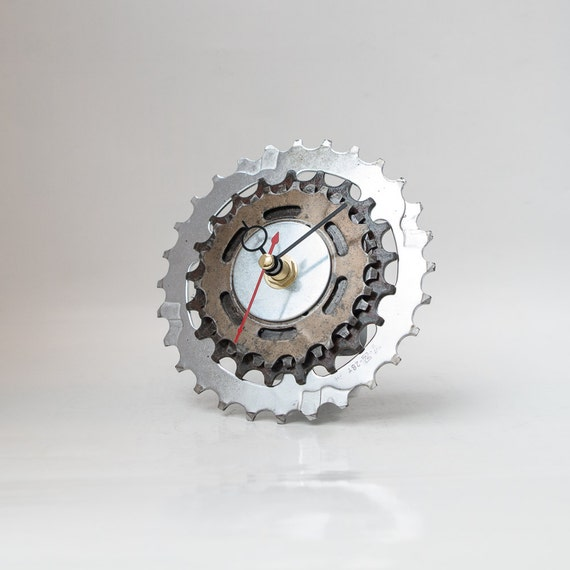 Small Bicycle Clock - Bicycle Desk Clock - Unique Clock - Steampunk Decor - Industrial Decor - Boyfriend Gift - Husband Gift - Father Gift