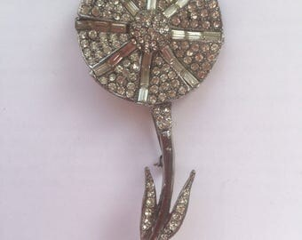 Vintage Clear Rhinstones and Silver Tone Metal 'Daisy' Brooch 1960s