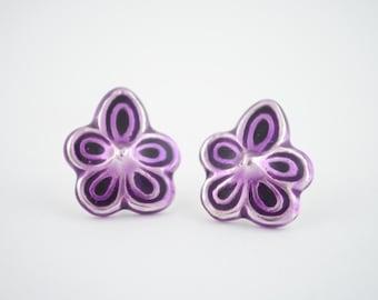 Pendientes de violetas, pendientes de plata, violetas de plata esmaltada, violetas esmaltadas, pendientes de flor, plata y esmalte