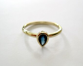 Teardrop Gemstone Ring, Sapphire Gold Ring, Anniversary Gifts, September Birthstone, Delicate, Pear Cut Jewelry