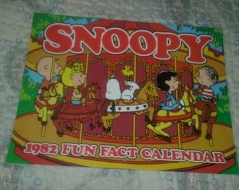 PEANUTS 1982 fun facts calendar Snoopy Lucy Charlie Brown NOS nm+
