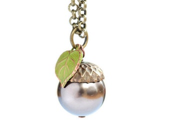 Acorn Necklace, Nature Jewelry, Leaf Necklace,Woodland,Fall,Autumn,Spring,Pearl and Acorn,Wedding,Swarovski Pearl Necklace,Rose,Brown,Green