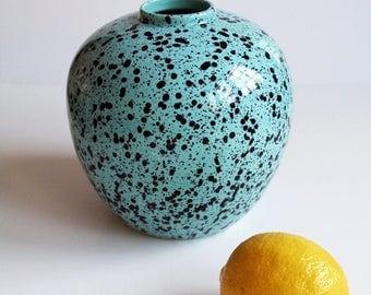 Round Speckled Vase 80s