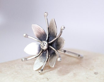 Silver flower ring, Contemporary silver jewelry, Artisan handmade silver ring, Unique flower ring, Sterling silver womens ring, Metalwork
