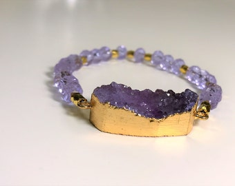 Sparkly Light Purple Raw Agate Geode  Druzy Electroformed with Gold Stretch Bracelet with Gltizy Purple Austrian Crystals & Gold Beads