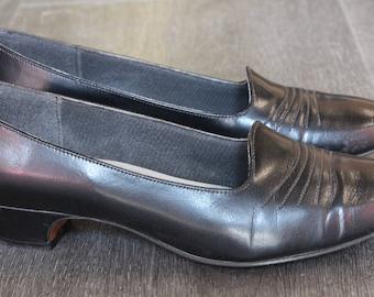 Vintage Easy Street Black Heels