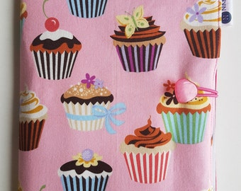 Colouring / Art Folio - Pink Cupcakes
