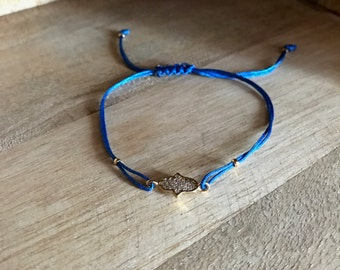 Fatma hand bracelet with blue string