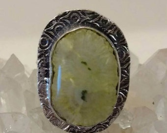Lemon Yellow Solar Quartz Party Ring  Size 8 1/2