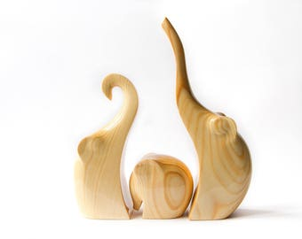 Elephants Family, Wooden Elephants Statue, Wooden Elephants Figurine, Wood Carving, Wooden Statue, Wooden Figurine