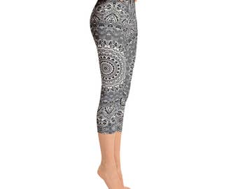 Capris - Mid Rise Leggings Yoga Gray, Mandala Printed Yoga Art Pants, Gray Leggings, Fashion Leggings, Womens Stretch Pants