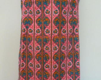 Vintage 1970s Sleeveless Pink/Orange Cotton Shift Dress. Outdoor Summer Dress. Size 12