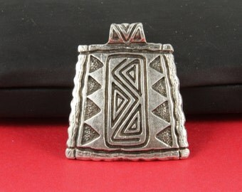 7/8 MADE in EUROPE ethnic pendant, tribal pendant, zamak large pendant (B2881AS) Qty1