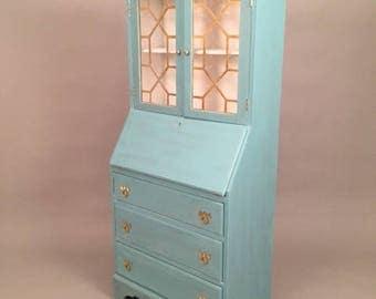 Stunning Hutch china cabinet or dresser and desk/work station