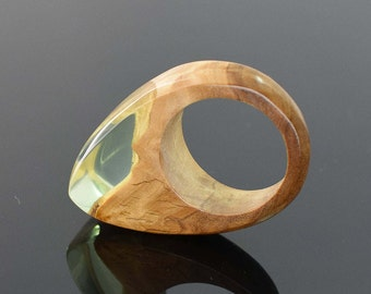 Green Ring. Resin Wood Ring, Wood and Resin Ring. Unique gift, Birthday gift for her. Statement Ring. Size 8 1/2 Ring. UK size Q 3/4  ring.