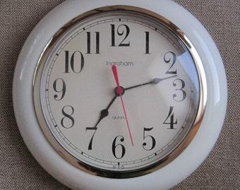 Ingraham Wall Clock, Quartz, Off White, Gold Rim, Uses AA Battery, Vintage