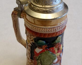 "vintage german lidded beer / ale stein 9.5"" - dertrunk seiklar dien lieb sei rar - embossed 3d made in germany by gerz - pub scene mug bar"
