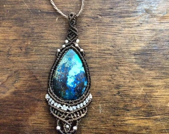 MACRAME pendant with a beautiful AZURITE stone from Mexico, throat chakra stone, stone of clarity and of the mystical self