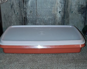 Tupperware Vintage Deli Keeper Paprika #816 Container with Sheer Lid