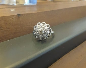 Flower ring in white gold 18kt and 0.45 ct of diamonds - old ring - engagement - wedding - Present - Valentines - Art deco ring