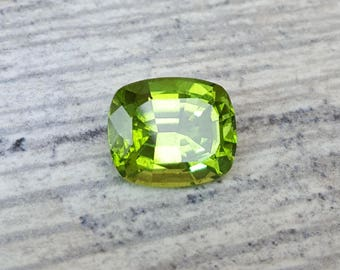 5.35CT carat Green Peridot 11.5 x 9.5 mm Cushion Shaped Loose Gemstone