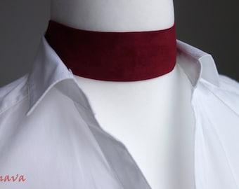 Choker necklace collar velvet red gold vintage
