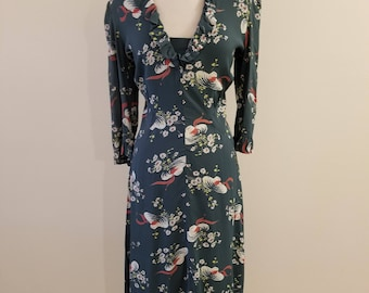 80's Does 40's Margaret Wynn - Handloomed Dress in larger size!  40-34-36   Great 40's inspired green print!