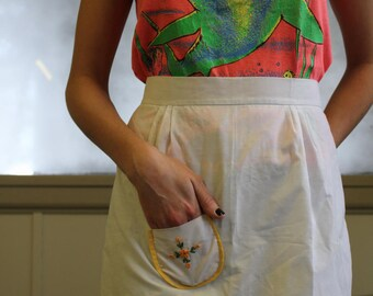 Hand Embroidered Daisy Apron