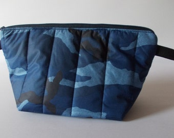 Make-up bag camouflage blue