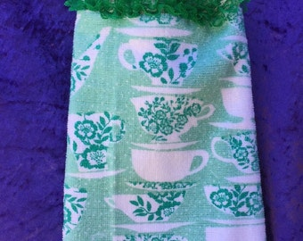 Hanging Hand Towel – Knitted Lace – Teacups