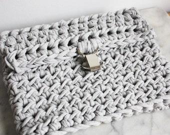 Chunky Knit Bag, Boho Clutch Bag, T Shirt Yarn Bag, Gray Knit Bag, Grey Crochet Clutch Bag, Festival Bag, Summer Clutch Spring bag Beach Bag