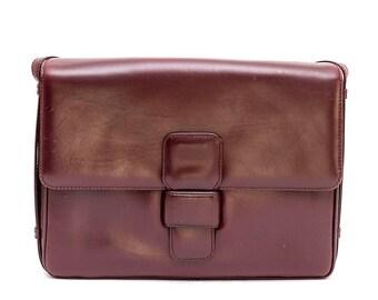 1970s Loewe burgundy leather shoulder bag