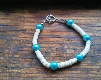 Blue and White SeaShell and Bead Bracelet