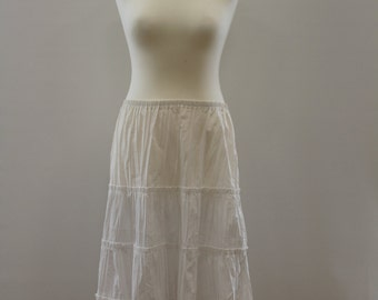 Flat Pleated Skirt (White)